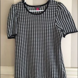 Vince Camuto short sleeve houndstooth sweater
